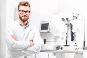 Optometrist vs Ophthalmologist vs Optician: The Difference?